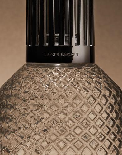 Lampe Berger Giftset Matali Crasset Amber model brander giftset eternal sap closeup glas sierdop