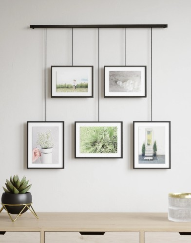 Umbra Exhibit Multi Photo Display Set van 5 WALL PICTURE FRAMES sfeerfoto recht liggend muur
