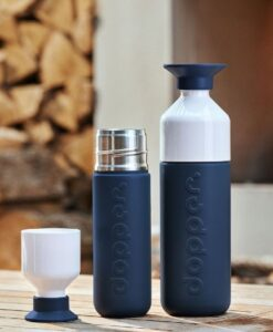 Dopper Insulated - Breaker Blue sfeerfoto groot klein thermos